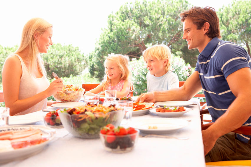 Healthy Eating this Summer: What to Eat and What to Avoid